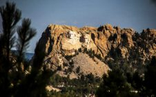 Scientists Discover Mount Rushmore Carved By Wind and Rain